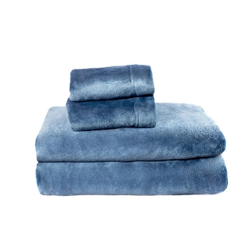 Find Out What Sheet You Should Cozy Into Fleece Vs